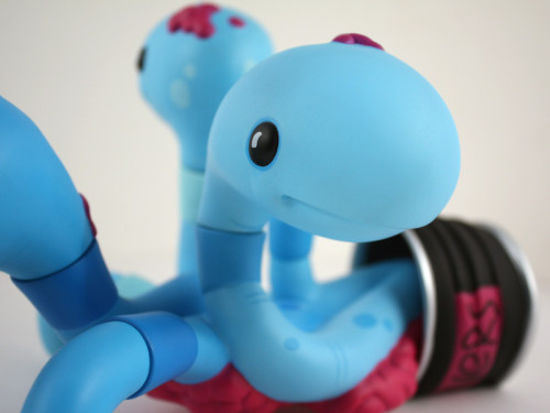 CanOWorms_Blue_Detail1