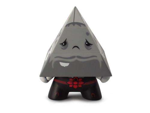 Dunny_Pyramidun_Black_Front_800