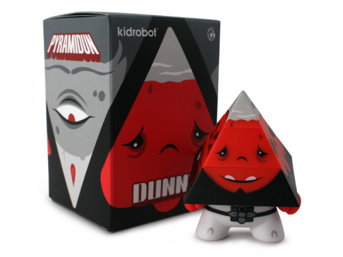 Dunny_Pyramidun_White_WithBox_800